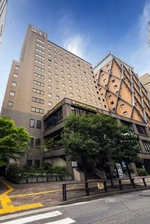 JR渋谷駅新南口から直結のホテルメッツ渋谷2階にあるグロウクリニック渋谷新南口院の外観